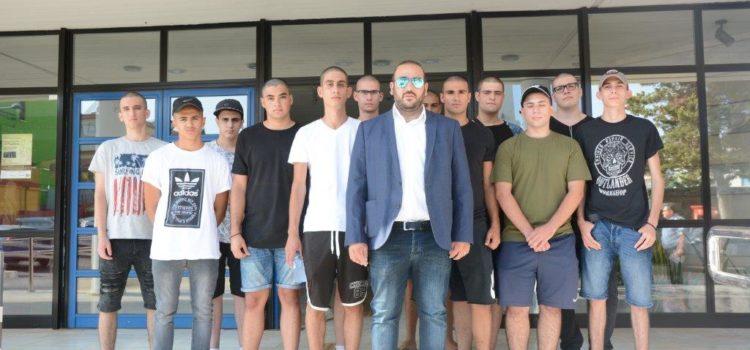 Ο Δήμαρχος, κ. Γιάννης Καρούσος συνόδευσε τους νεοσύλλεκτους εθνοφρουρούς του Δήμου Αγίας Νάπας στο ΚΕΝ Λάρνακας