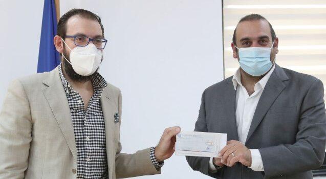 Ο Υπουργός Μεταφορών, Επικοινωνιών και Έργων παρέλαβε δωρεά από την Κυπριακή Ομοσπονδία Ποδηλάτου με σκοπό την ανάπτυξη της κοινωνικής ποδηλασίας
